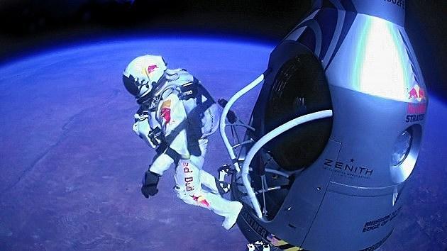 Felix Baumgartner Makes Record Freefall Jump