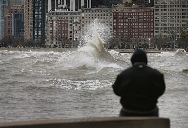 """Frankenstorm"" Generates Large Waves On Lake Michigan"
