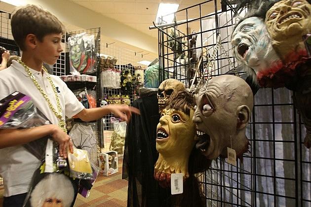 Weak Economy Depresses Halloween Sales